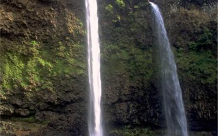 Sacred Falls Kayak and Hiking Tour on the Wailua River