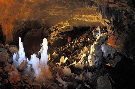 Private Lava Caves and Reykjanes Peninsula Day Trip by Super Jeep from Reykjavik