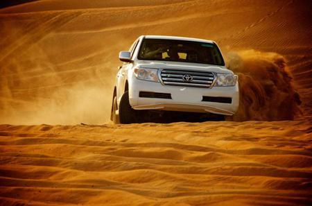 Geländesafari durch die roten Wüstendünen von Dubai