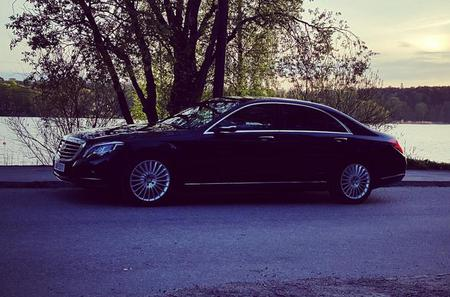 First Class Airport Limousine Transfer: Bromma Airport to Stockholm City
