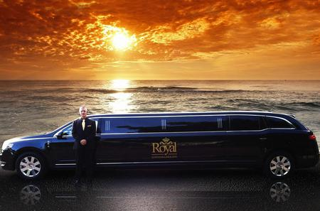 Private Stretch limousine Service From Honolulu International Airport to Waikiki Hotels