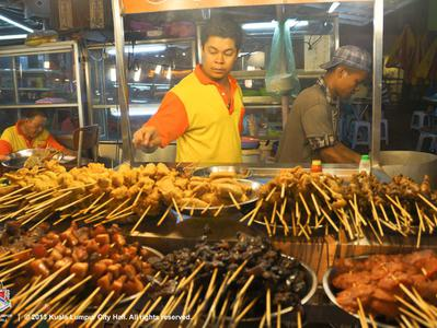 Kuala Lumpur Off the Eaten Track - Small Group Food Tour by Night