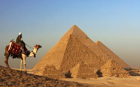 Cairo and Giza Pyramids 2-Day Tour from Port Said