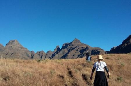 3-Day Guided Hike in the Drakensberg Mountains from Johannesburg