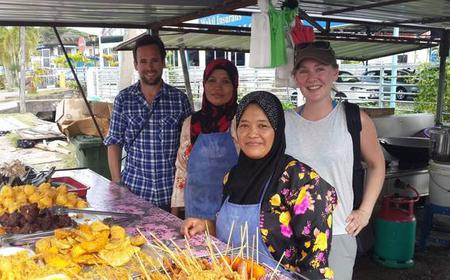A Bite of Borneo by Bike Tour with Local Street Foods