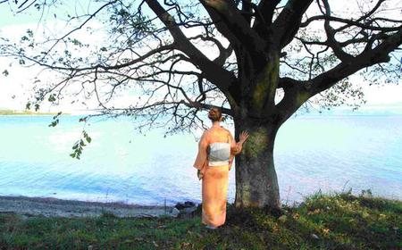 Kimono Dressing and Lakeside Photo Session