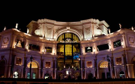 Las Vegas: Shop and Play at Ceasars Palace Forum