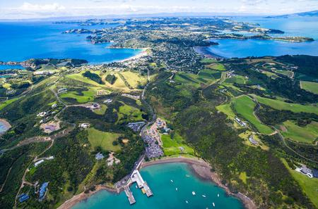 Private Shore Excursion: Waiheke Island Shopping Trip including Lunch and Winery Visit