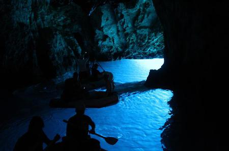 Blue Cave and Five Islands Speedboat Tour with Lunch from Split