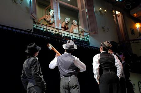 Complejo Tango Show with Optional Dinner and Tango Lesson in Buenos Aires