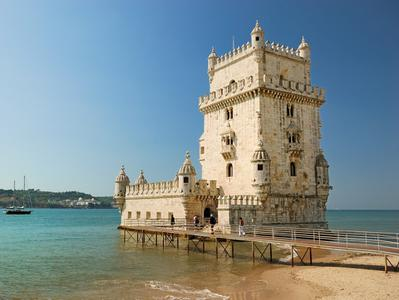 Belem Small Group Walking Tour with Skip the Line Access to the Jeronimos Monastery