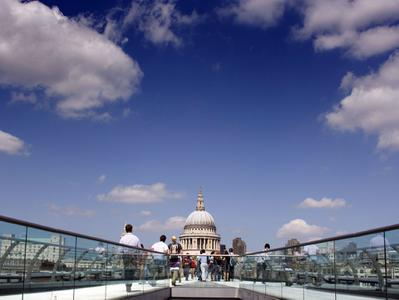 London Thru the Lens - St Pauls to Tower Bridge Private Tour