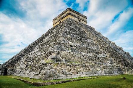 Chichen Itza Day Tour with Cenote, Lunch and Valladolid from Cancun