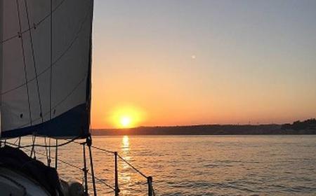 Sesimbra: 1-Hour Private Sailing Tour