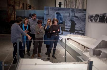 2-Hour Group Guided Tour of Yad Vashem's Holocaust History Museum