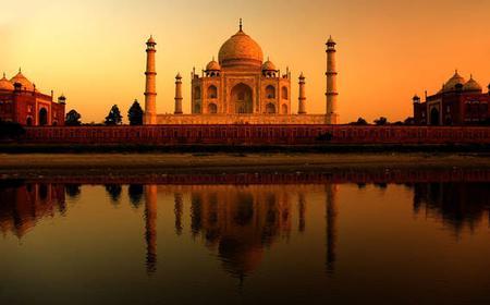 Private Sunrise Taj Mahal Tour from Delhi by Wi-Fi Car