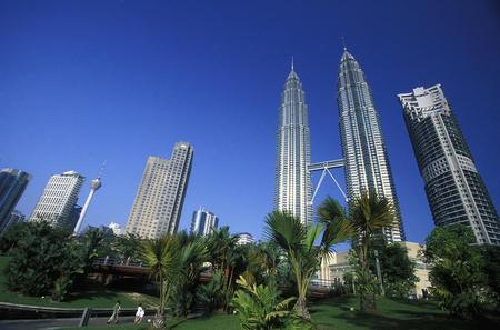 The Top Ten Wonders of Kuala Lumpur Including Sky Bridge and Observation Deck Of Petronas Twin Towers