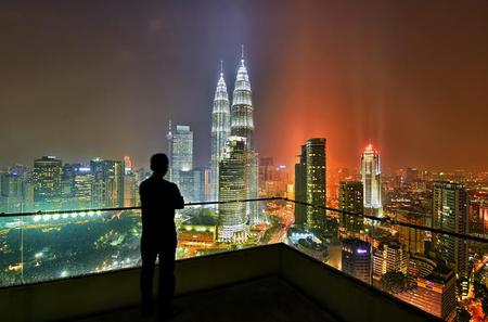 Private Half-Day Kuala Lumpur Photographic Tour including Tickets to Petronas Twin Towers and KL Tower
