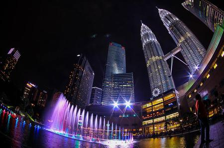 Amazing Night Tour with Tickets to Petronas Twin Tower Observation Deck