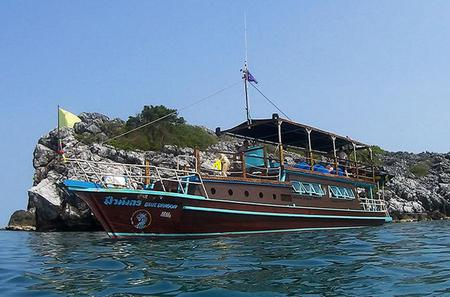 Private Charter: Blue Dragon 62ft Yacht Island Hopping and Snorkeling to koh Taen