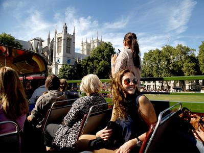 London City Tour by Vintage Open Top Bus with Champagne Tea