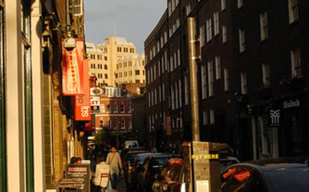 London: Introduction to Architecture Private Walking Tour