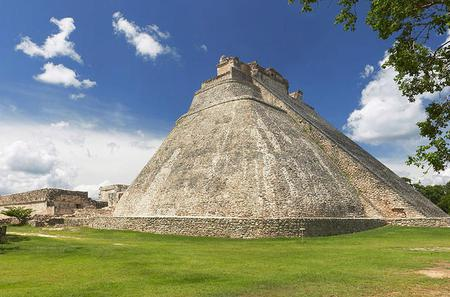 Viator Exclusive: Uxmal at Your Own Pace Including Access to Hospitality Suite