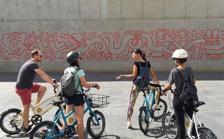 Visit the Main Art Galleries of Ciutat Vella by Bike