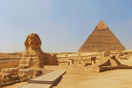 Cairo Pyramids, Museum, & Bazaars: from Alexandria Port