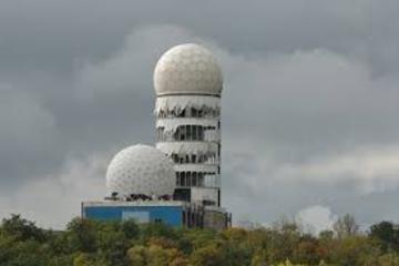 Berlin Half-Day Cold War Tour to Teufelsberg