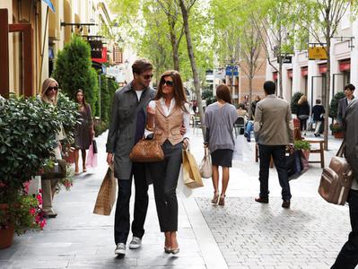 Las Rozas Village Shopping Tour from Madrid