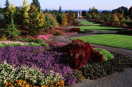 Falls, Gardens and Vines Tour from Portland