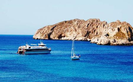 Mallorca: Full-Day Boat Excursion with Lunch and Drinks