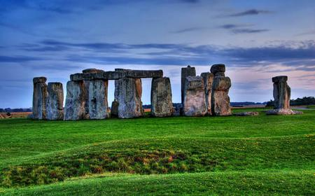 From London: Full-Day Stonehenge & Bath Tour