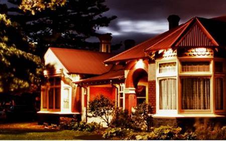 Melbourne: Altona Homestead 1.5-Hour Ghost Tour