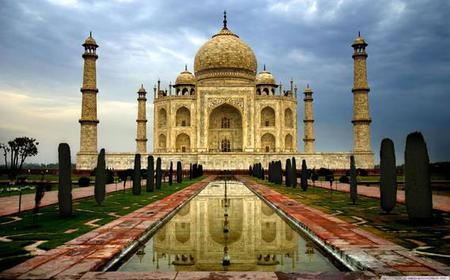 Agra: Taj Mahal Entrance Ticket With Private Tour Guide
