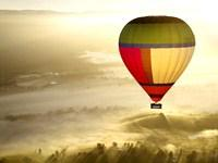 Yarra Valley Private Sunrise Balloon Flight + Champagne Breakfast for Two with Hotel Pick-up from Melbourne