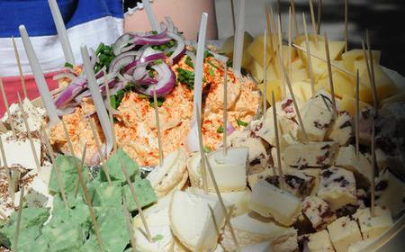 Munich: Viktualienmarkt 2-Hour Tour with Food Tastings