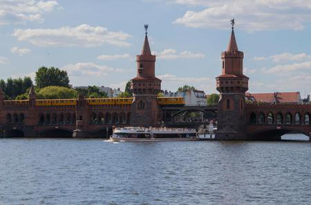 Berlin Half-Day Burger and Beer River Cruise
