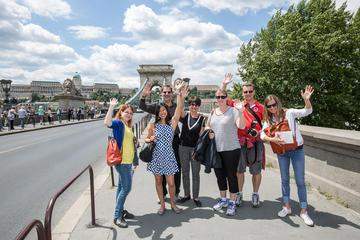 Budapest Supersaver: City Walking Tour and Danube River Dinner Cruise
