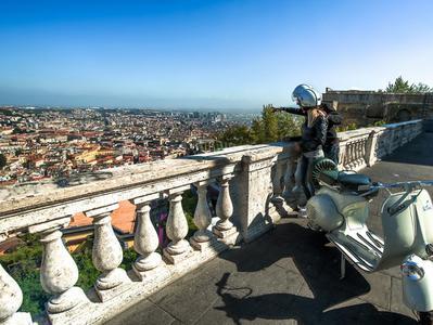 Classic Vespa Tour of Downtown Naples