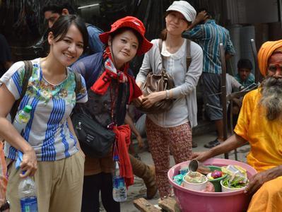 Old Delhi Bazaar Walk and Haveli Visit - Half Day with Rickshaw Ride