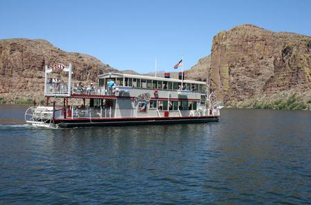 Apache Trail and Dolly Steamboat One Day Van Tour
