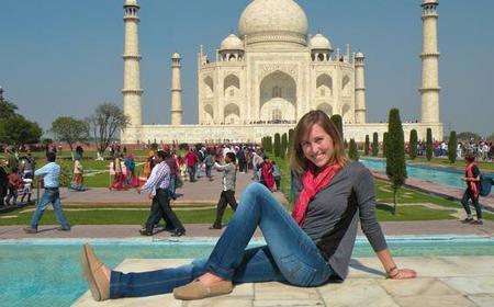 From Delhi: Taj Mahal Day Trip by Private Car