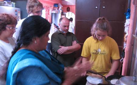 Delhi 5-Hour Hands-on Cooking Class with Meal