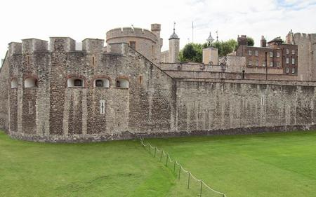 Saver Combo: London Hop-on, Hop-off Tour & Tower of London Ticket
