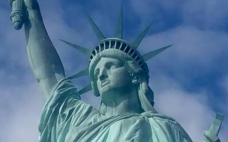 New York: Statue of Liberty & 9/11 Memorial Guided Tour