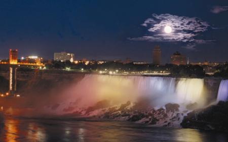 Niagara Falls: Canadian Illumination Tour