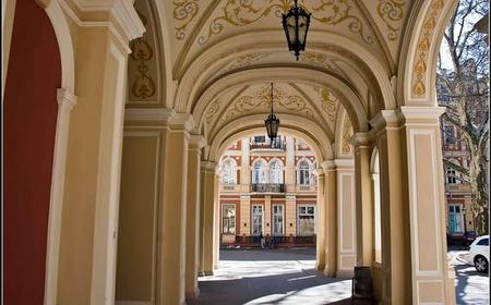 The Courtyards of Old Odessa 2-Hour Walking Tour