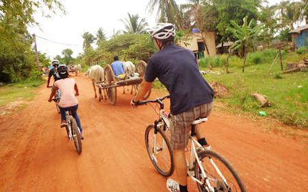 Phnom Udong: Full-Day Cycling Tour from Phnom Penh
